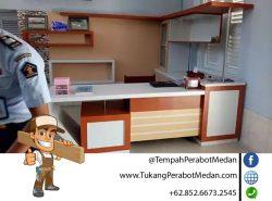 tukang meja resepsinonis kantor di medan